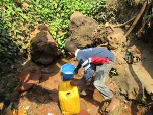 The Water Project : 2-sierraleone5086-fetching-water
