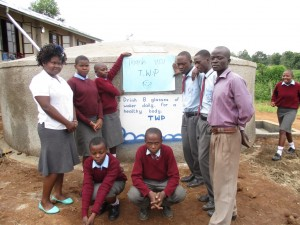 The Water Project : 21-kenya4608-complete-tank