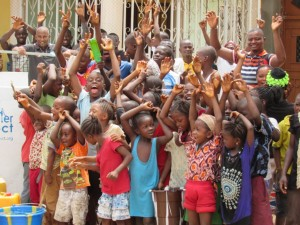 The Water Project : 22-sierraleone5098-handing-over