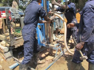 The Water Project : 29-sierraleone5083-drilling