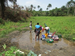 The Water Project : 3-sierraleone5099-current-source