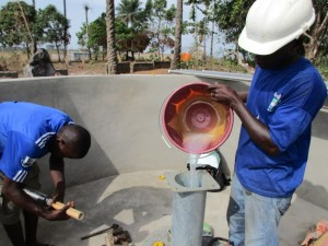 The Water Project : 31-sierraleone5083-pump-installation