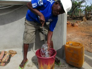The Water Project : 32-sierraleone5083-pump-installation