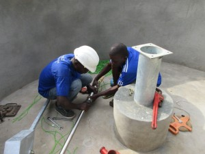 The Water Project : 33-sierraleone5083-pump-installation