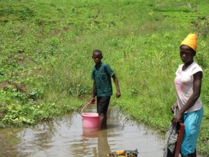 The Water Project : 4-sierraleone5099-current-source