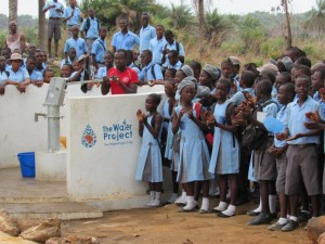 The Water Project : 40-sierraleone5083-handing-over