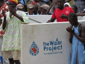 The Water Project : 47-sierraleone5083-handing-over