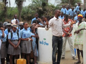 The Water Project : 48-sierraleone5083-handing-over