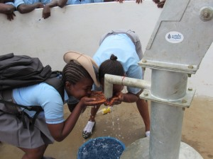 The Water Project : 53-sierraleone5083-handing-over