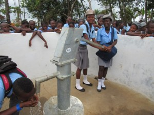The Water Project : 54-sierraleone5083-handing-over