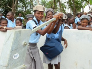 The Water Project : 55-sierraleone5083-handing-over