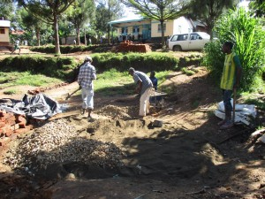 The Water Project : 6-kenya4607-construction
