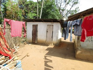 The Water Project : 6-sierraleone5089-clothesline