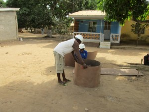 The Water Project : 7-sierraleone5098-construction