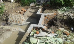 The Water Project : 14-kenya4565-construction