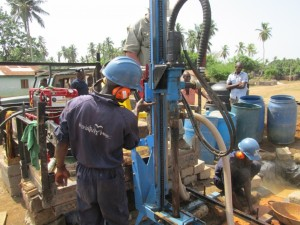 The Water Project : 15-sierraleone5085-drilling