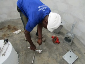 The Water Project : 17-sierraleone5085-pump-installation