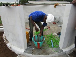 The Water Project : 19-sierraleone5085-pump-installation
