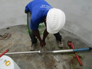The Water Project : 20-sierraleone5085-pump-installation