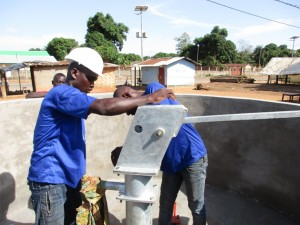 The Water Project : 23-sierraleone5087-pump-installation