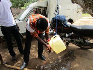 The Water Project : 25-sierraleone5099-training