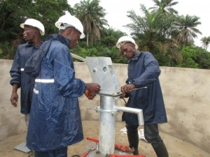 The Water Project : 31-sierraleone5084-construction