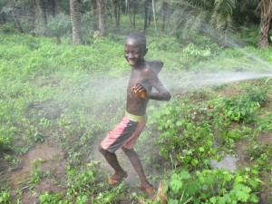 The Water Project : 33-sierraleone5084-construction