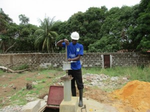 The Water Project : 37-sierraleone5099-construction