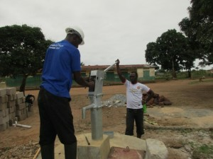 The Water Project : 38-sierraleone5099-construction