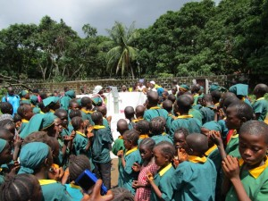 The Water Project : 40-sierraleone5099-dedication