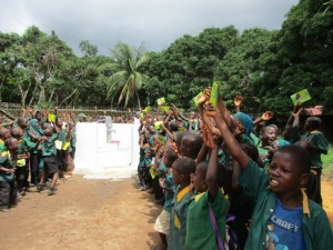The Water Project : 47-sierraleone5099-dedication