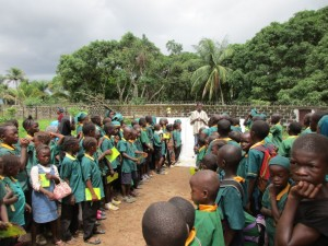 The Water Project : 49-sierraleone5099-dedication