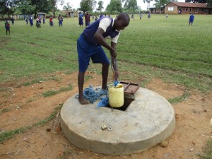 The Water Project : 5-kenya4618-current-water-source