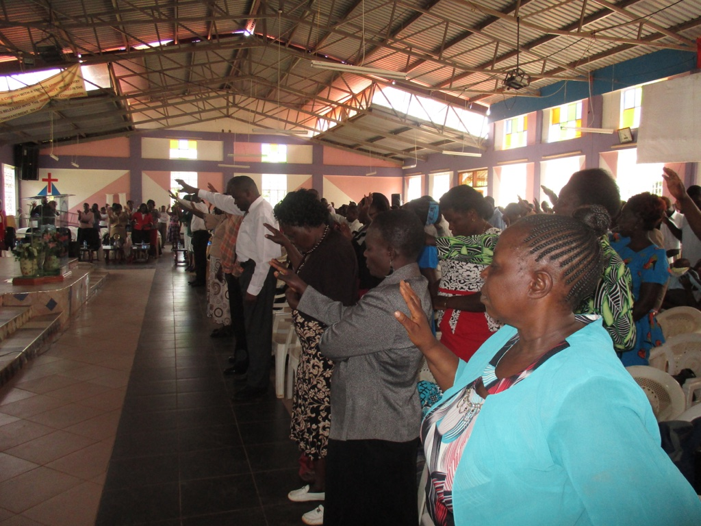 The Water Project : 5-kenya4620-church-service