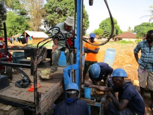 The Water Project : 13-sierraleone5088-drilling