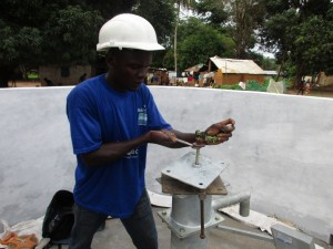 The Water Project : 19-sierraleone5088-pump-installation