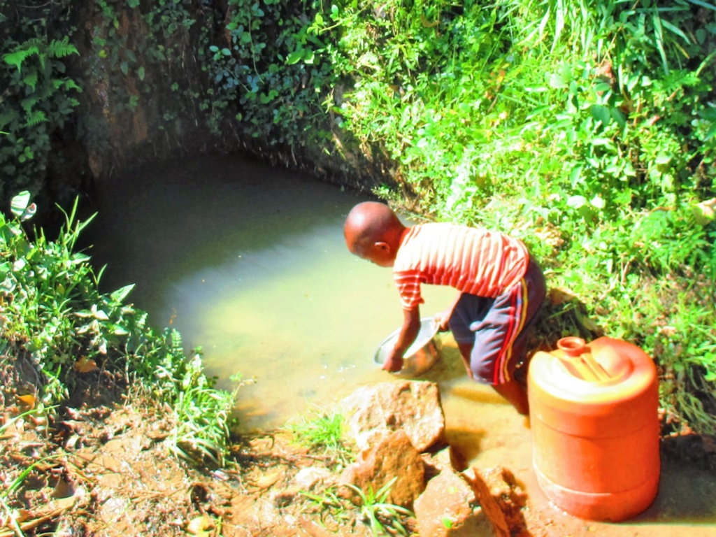 The Water Project : 2-kenya4585-unprotected-spring