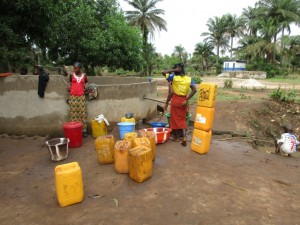 The Water Project : 2-sierraleone5091-primary-school-well