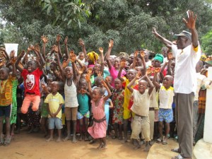The Water Project : 22-sierraleone5088-handing-over