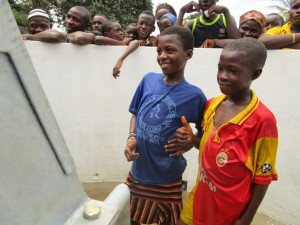 The Water Project : 26-sierraleone5088-handing-over