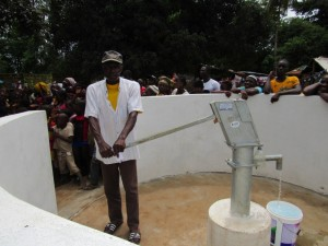 The Water Project : 28-sierraleone5088-handing-over