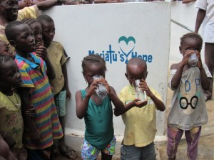 The Water Project : 29-sierraleone5088-handing-over