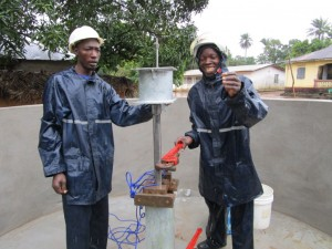 The Water Project : 34-sierraleone5089-pump-installation