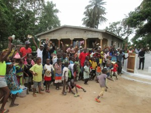 The Water Project : 39-sierraleone5089-dedication