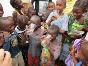 The Water Project : 42-sierraleone5089-dedication
