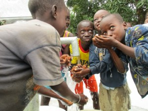 The Water Project : 47-sierraleone5089-dedication