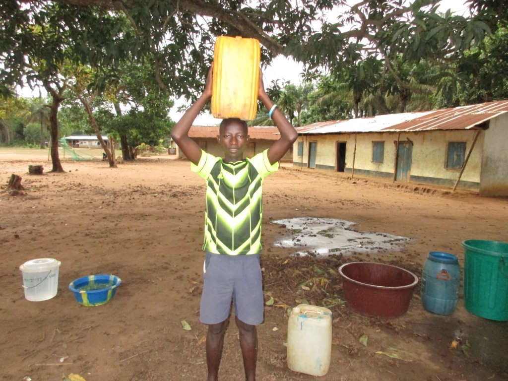 The Water Project : 5-sierraleone5091-carrying-water