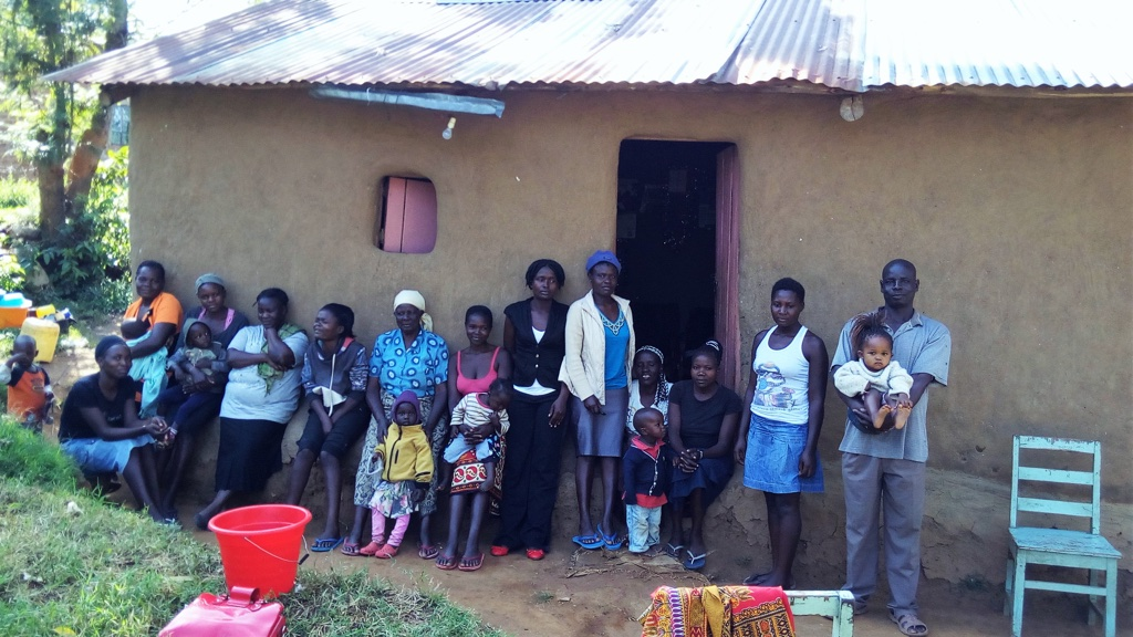 The Water Project : 1-kenya4586-community