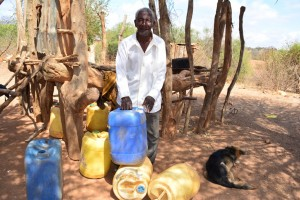 The Water Project : 2-kenya4472-water-containers