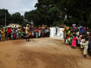 The Water Project : 28-sierraleone5082-handing-over